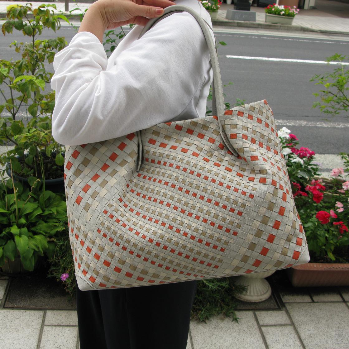 IBIZA(イビサ)Especial【エスペシアール】セミショルダーバッグ