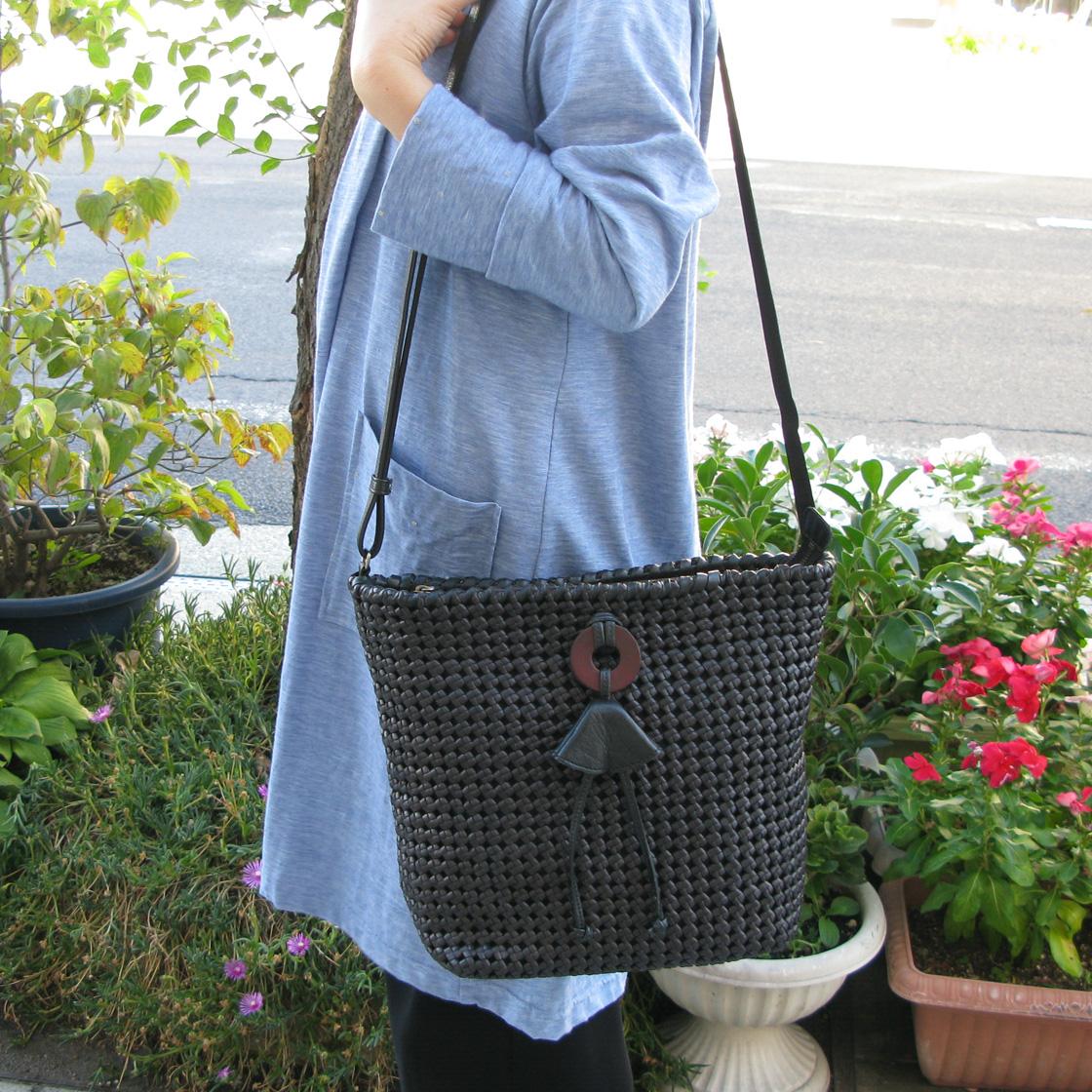 IBIZA(イビサ)フラワー編みメッシュショルダーバッグ